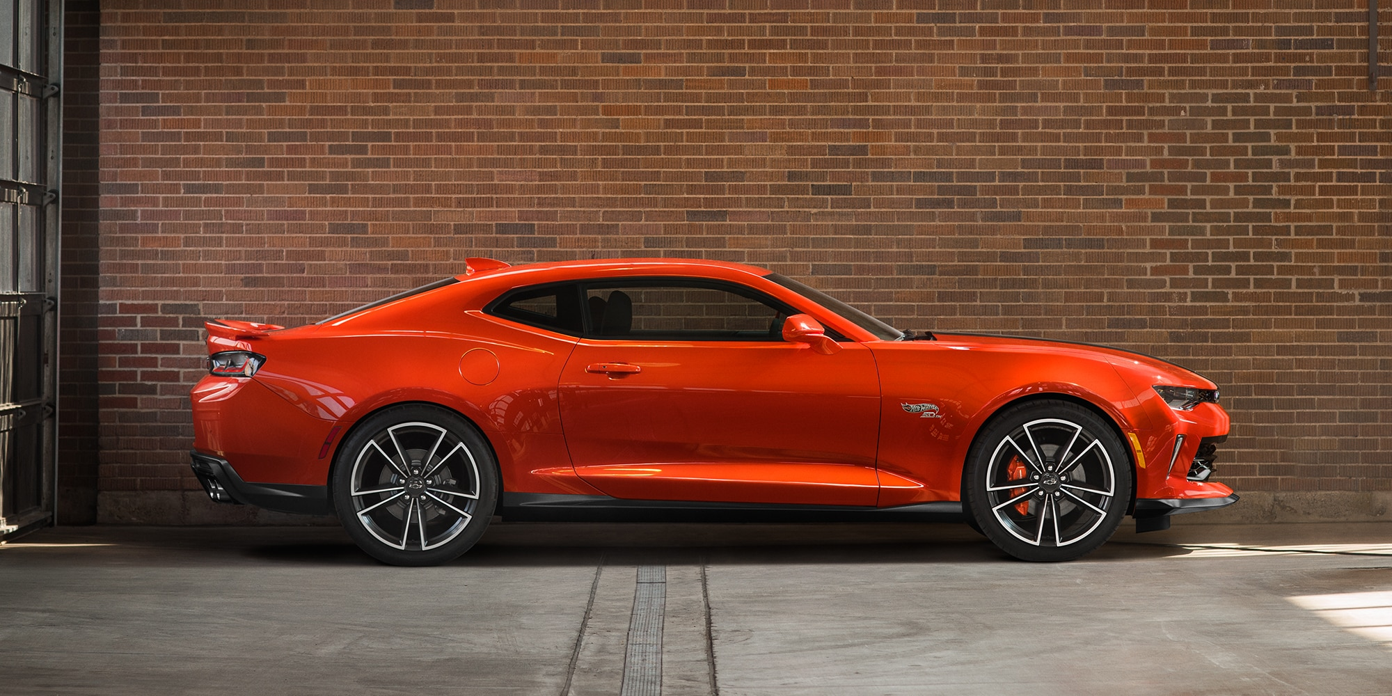 Chevrolet Camaro Hot Wheels Edition: Exterior lateral