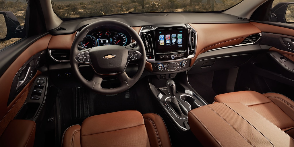 2018 Traverse Midsize SUV Interior Photo: front driver seat