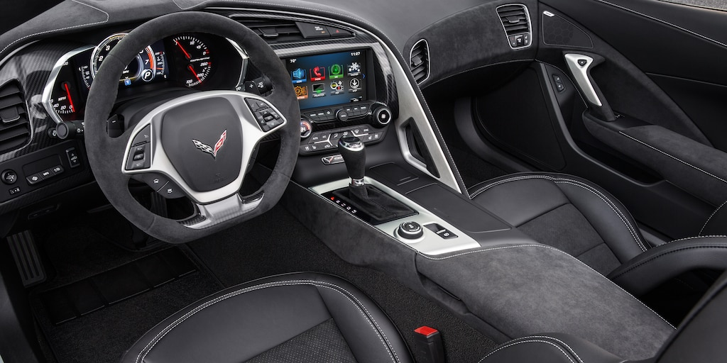 Foto del interior del Corvette Stingray 2018: cabina