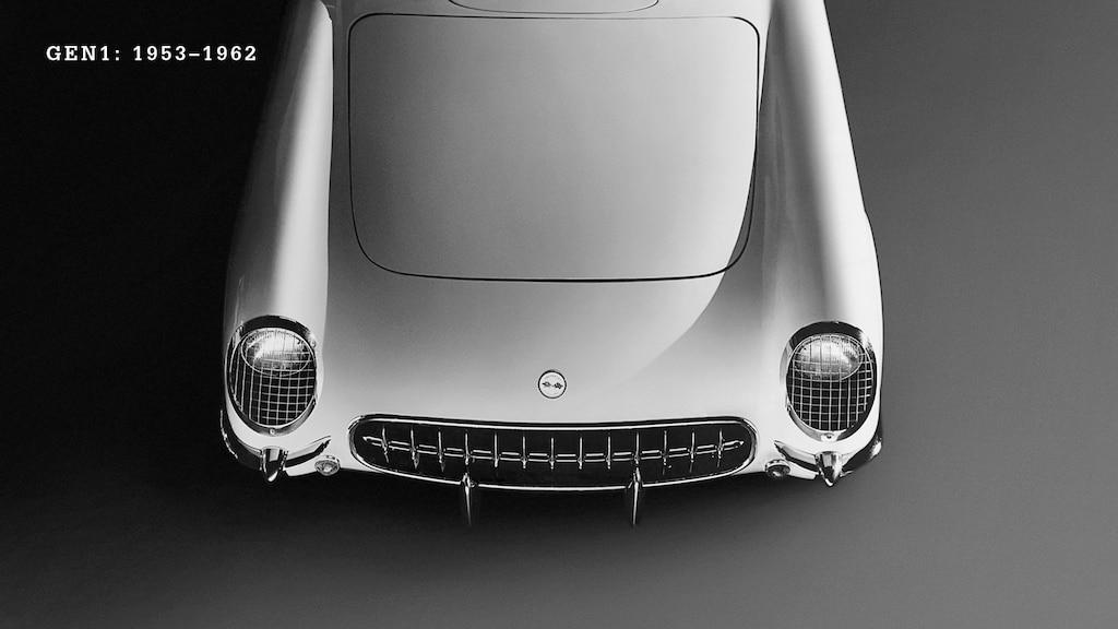 El extremo delantero de un Corvette generación 1 (C1, 1953.1962) Blanco.