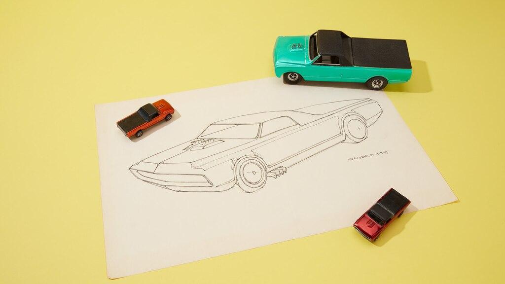 Uno prototipo de los primeros Hot Wheels con su boceto original.