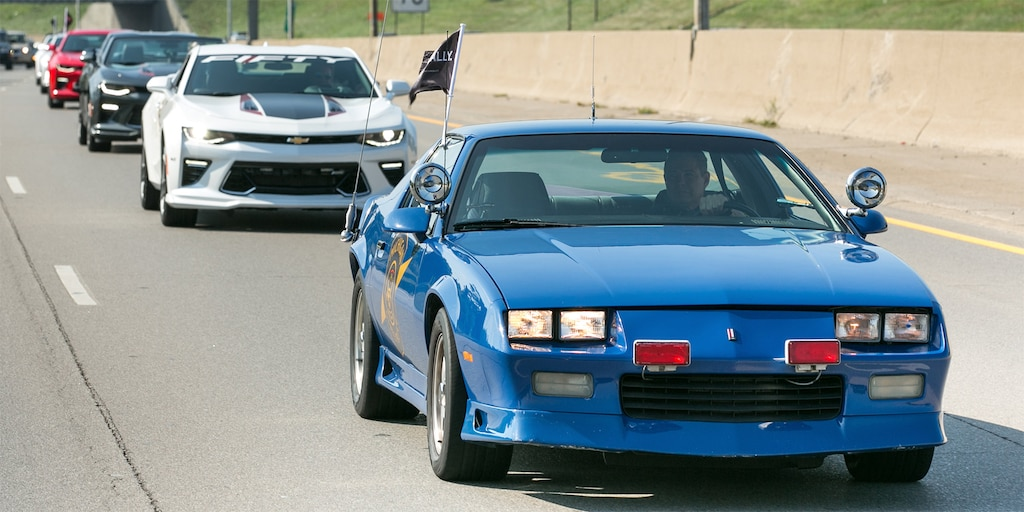 Chevrolet Camaro Edición 50 Aniversario - Rally: Camaro en carretera 2