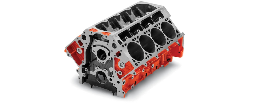 Vista superior delantera del bloque de motor de cilindros LSX Bowtie para producción serie LS/LT/LSX de Chevrolet Performance