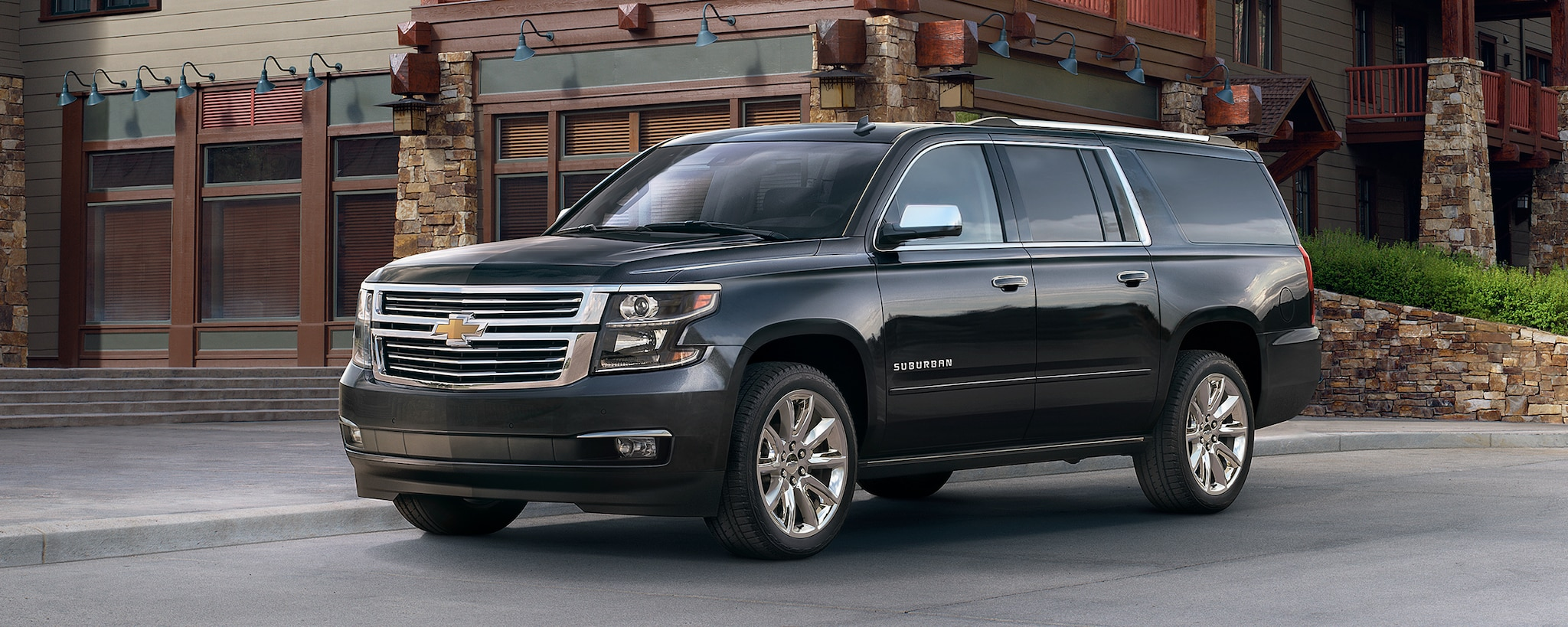 Vehículos comerciales de Chevrolet: SUV grande Suburban: perfil lateral