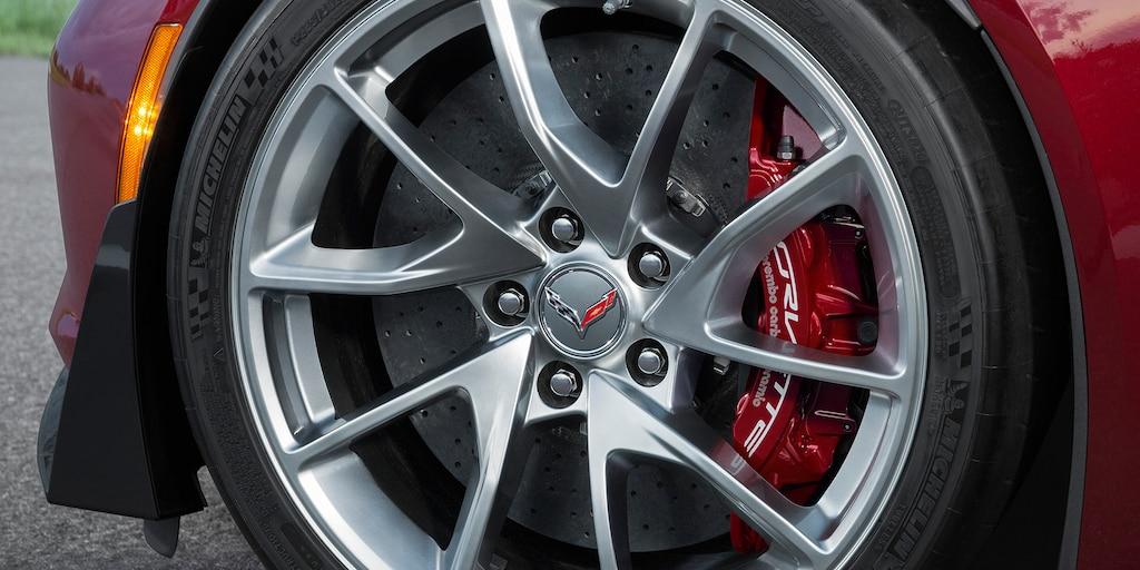 Ediciones especiales de Corvette. Paquete de diseño Rojo Especia: rines