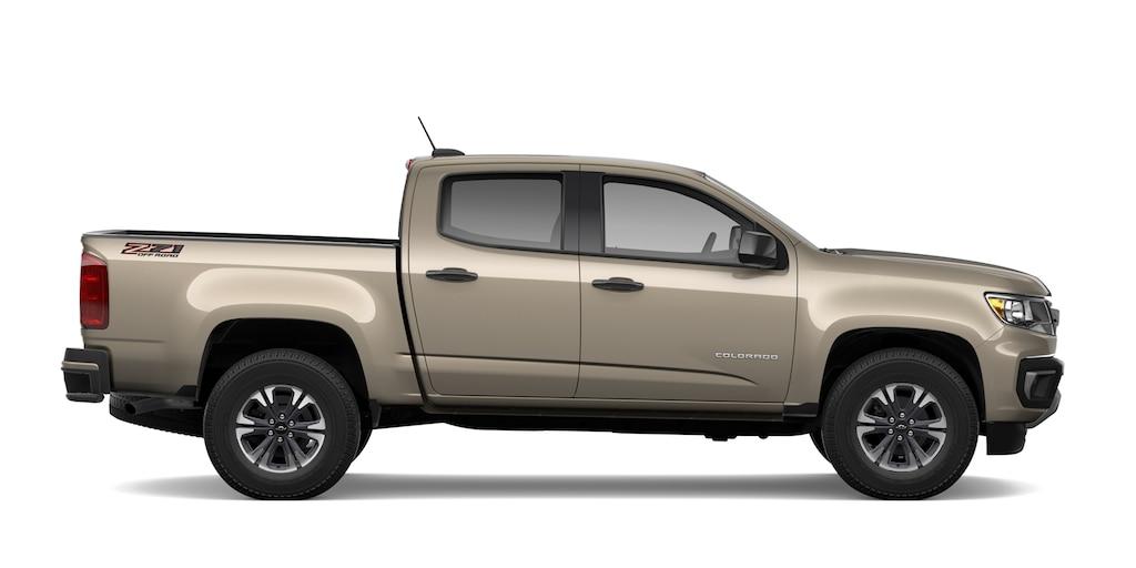 Toma de perfil de la camioneta diesel de tamaño mediano Colorado2021
