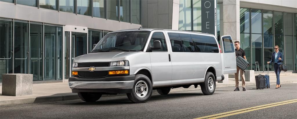 Van Chevrolet Express Passenger 2020
