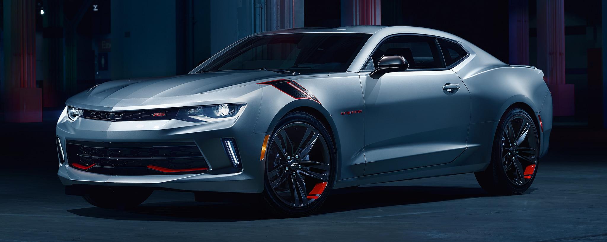Diseño del auto deportivo Camaro 2018: Serie Red Line