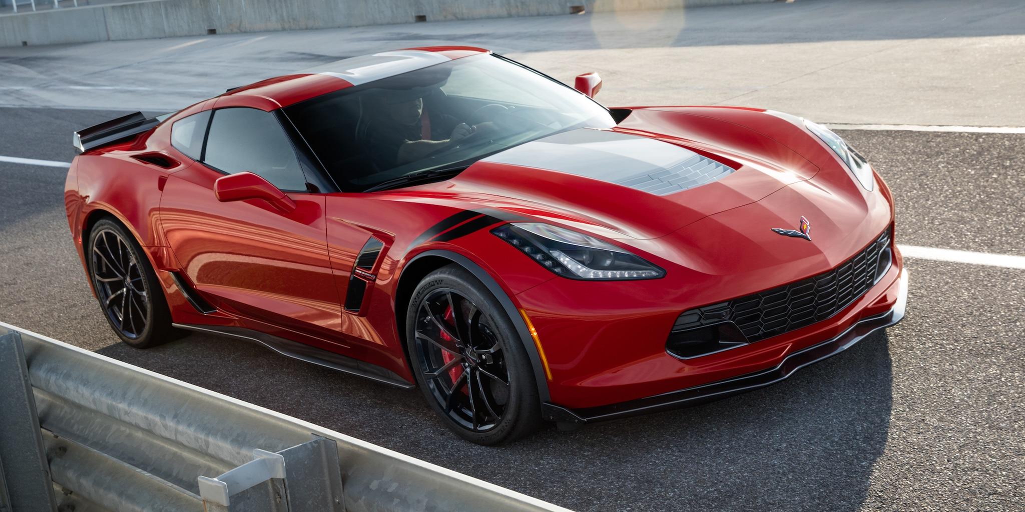 Diseño del auto deportivo Corvette Grand Sport 2018: delantero