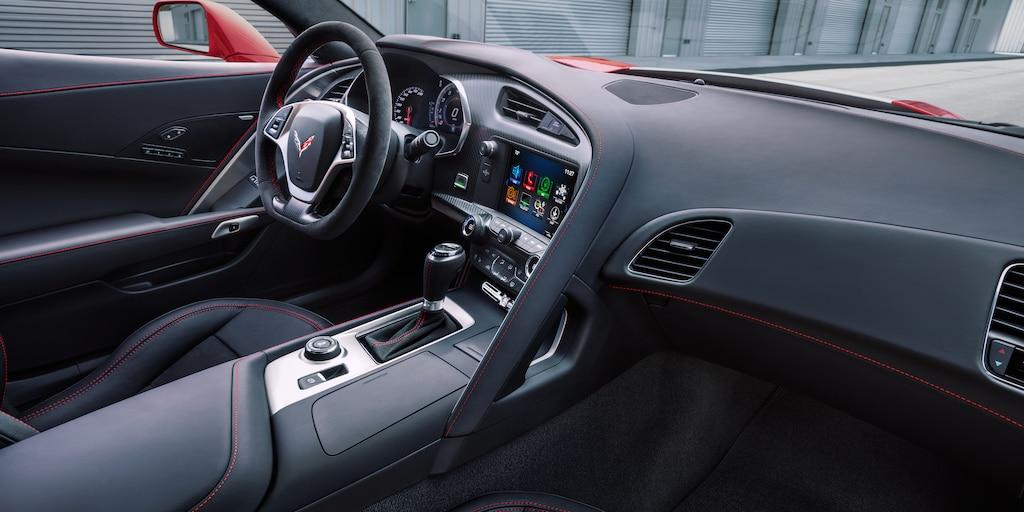 Foto del interior del Corvette Grand Sport 2018: cabina del conductor