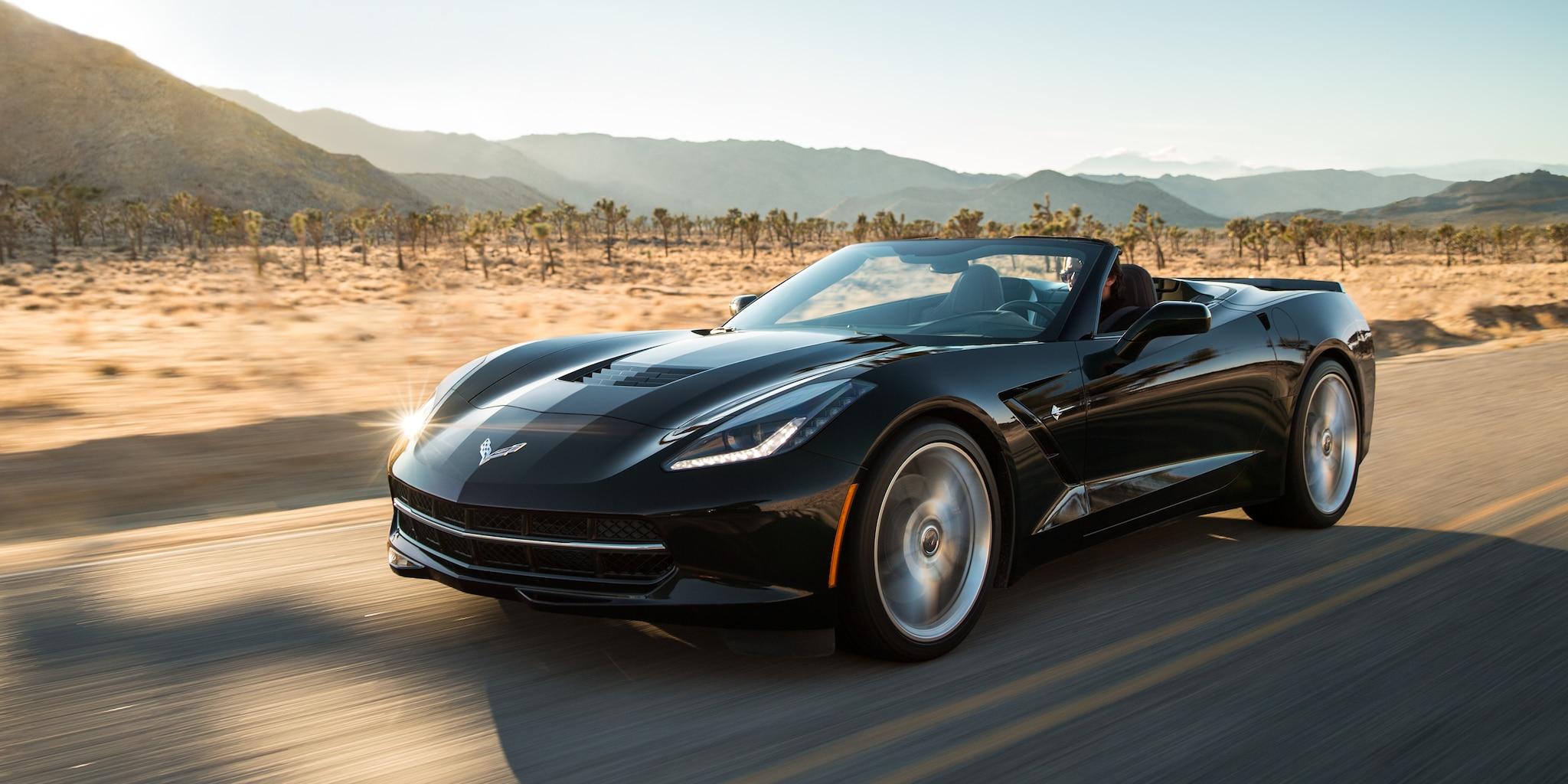 Diseño del auto deportivo Corvette Stingray 2018: lateral delantero