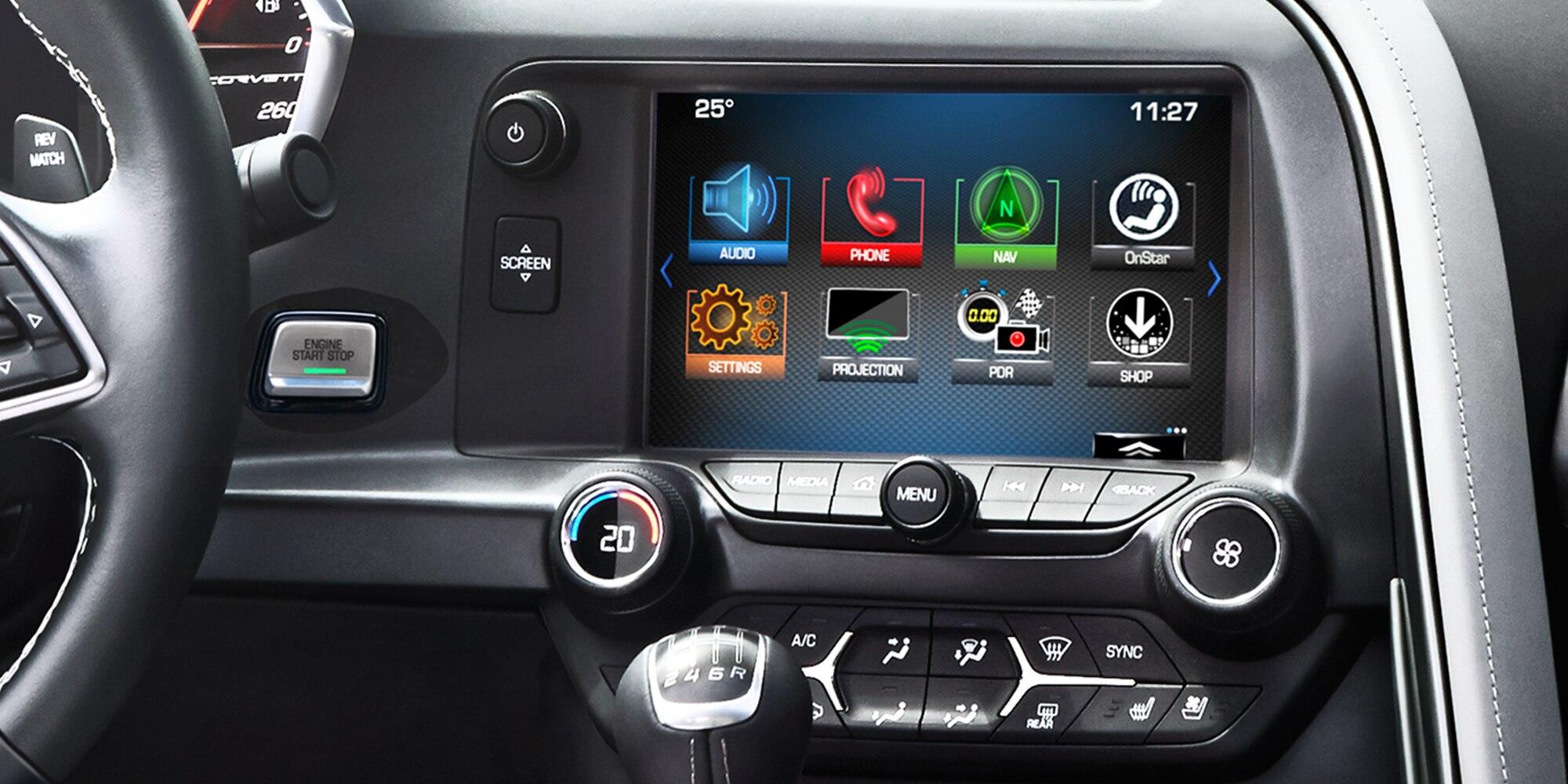 Tecnología del auto deportivo Corvette Stingray 2018: radio MyLink con pantalla táctil en color