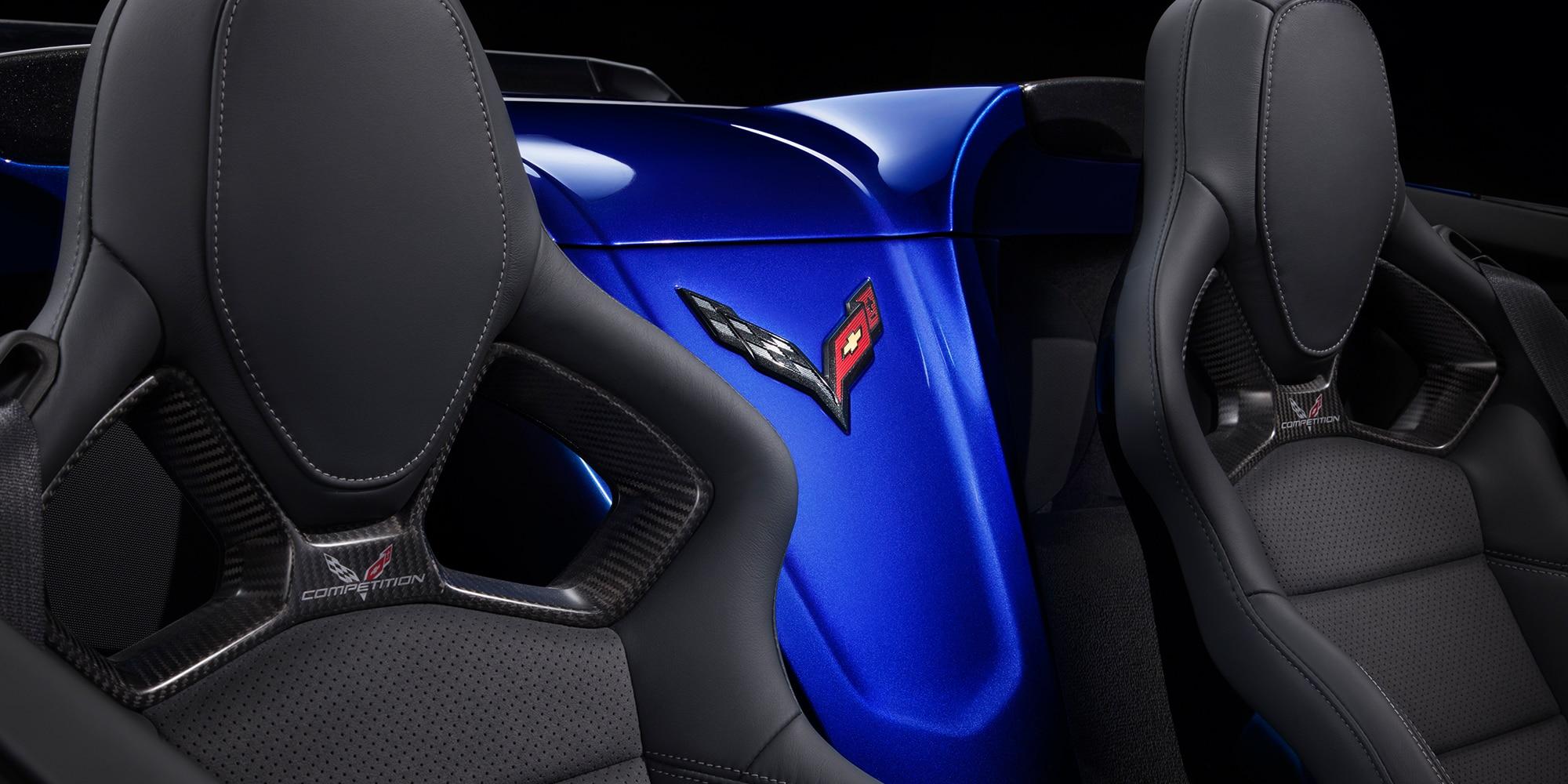 Diseño del superauto Corvette Z06 2018: asientos competition sport - Negro
