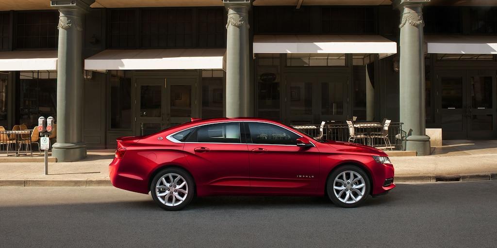 Diseño del del auto de tamaño completo Impala 2019: perfil lateral