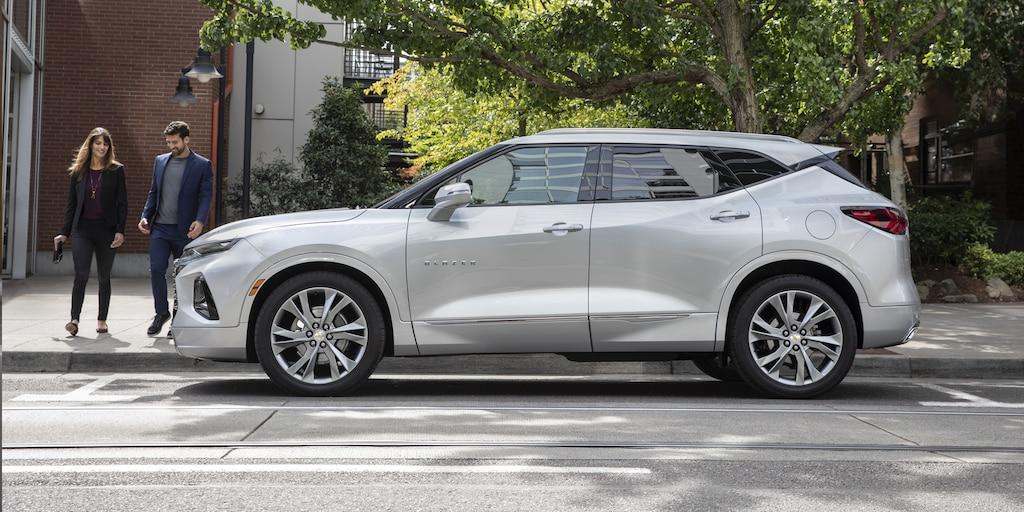 Perfil lateral de la SUV deportiva Chevrolet Blazer 2019