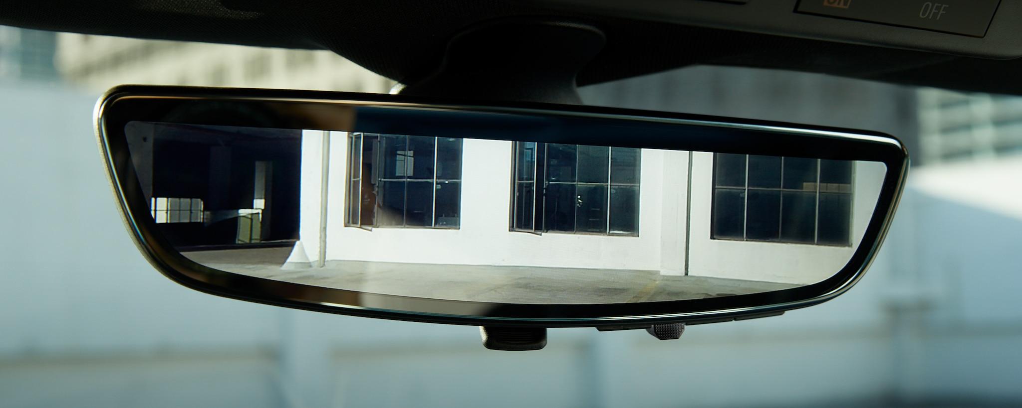 Camaro 2019: espejo retrovisor con cámara