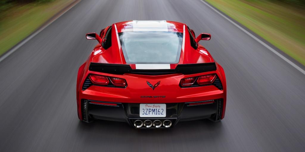 Diseño del auto deportivo Corvette Grand Sport 2019: trasero