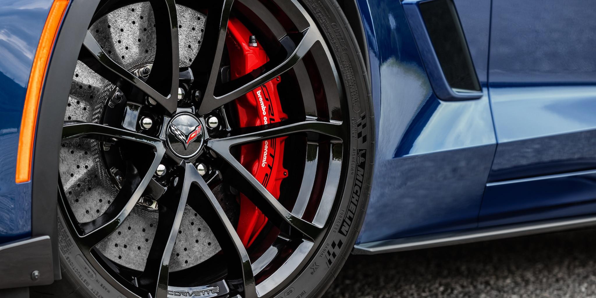 Diseño del auto deportivo Corvette Grand Sport 2019: rin