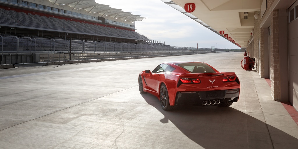 Foto exterior del Corvette Stingray 2019: Rojo Especie