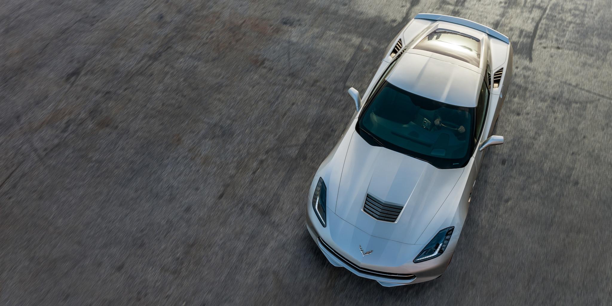 Diseño del auto deportivo Corvette Stingray 2019: arriba