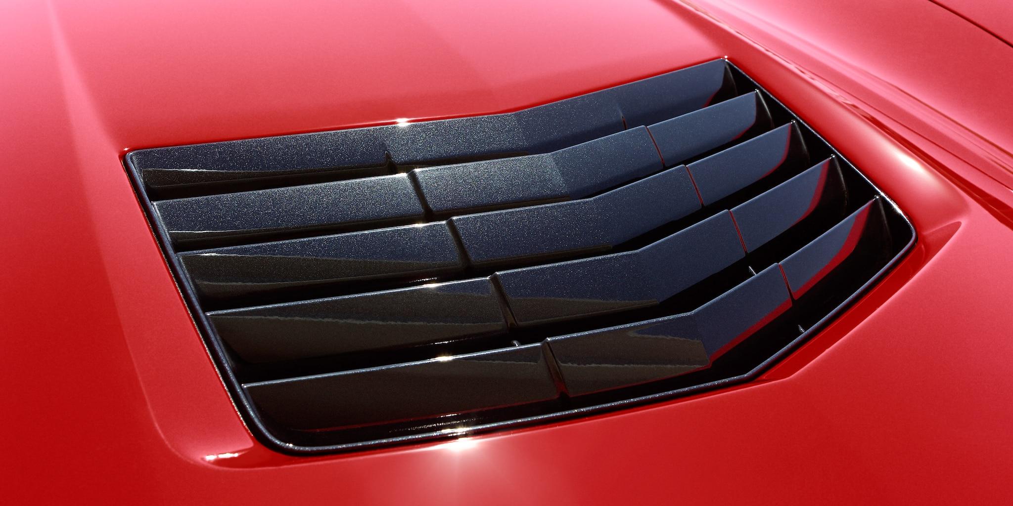 Diseño del auto deportivo Corvette Stingray 2019: Extractor del cofre
