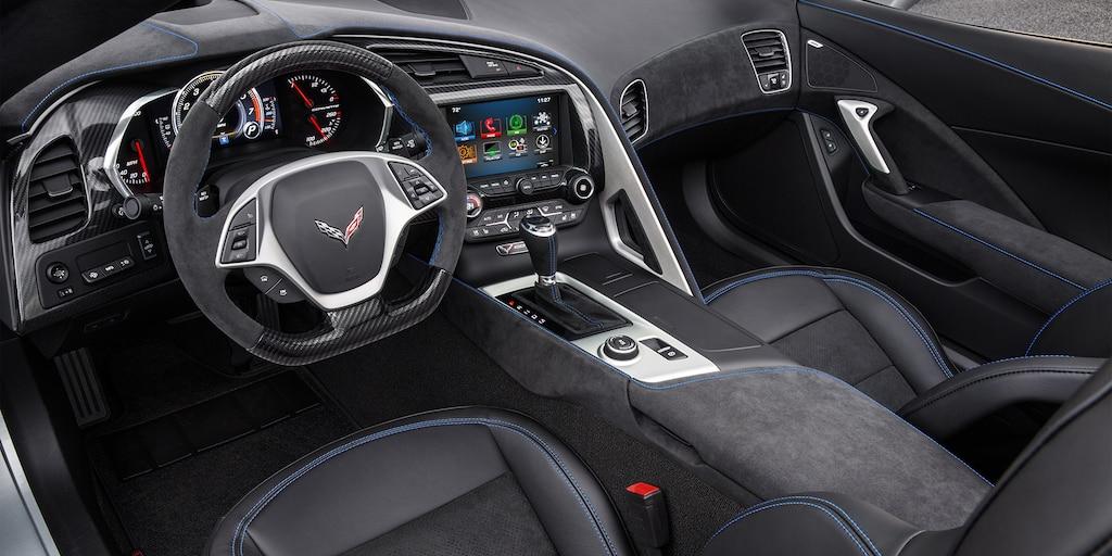 Diseño del auto deportivo Corvette Stingray 2019: cabina