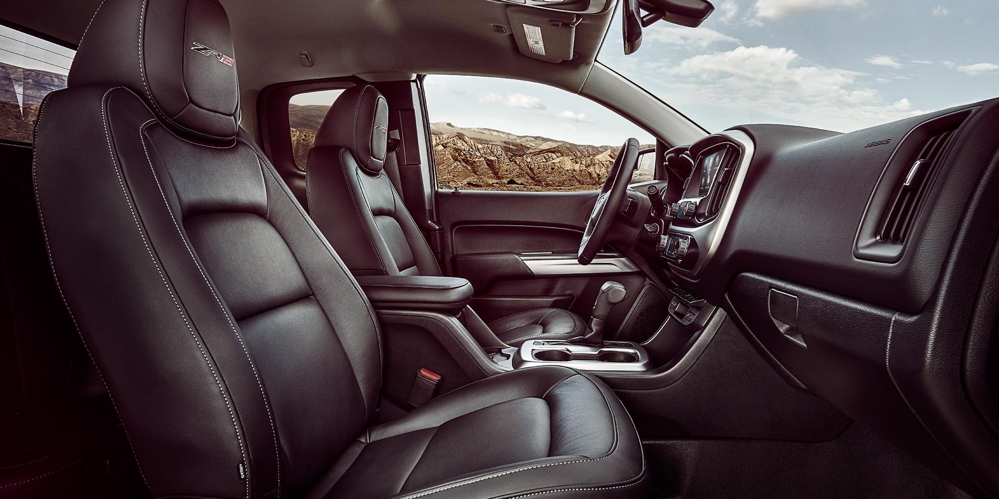 Diseño de la camioneta todo terreno Colorado ZR2 2019: asientos interiores de la parte delantera