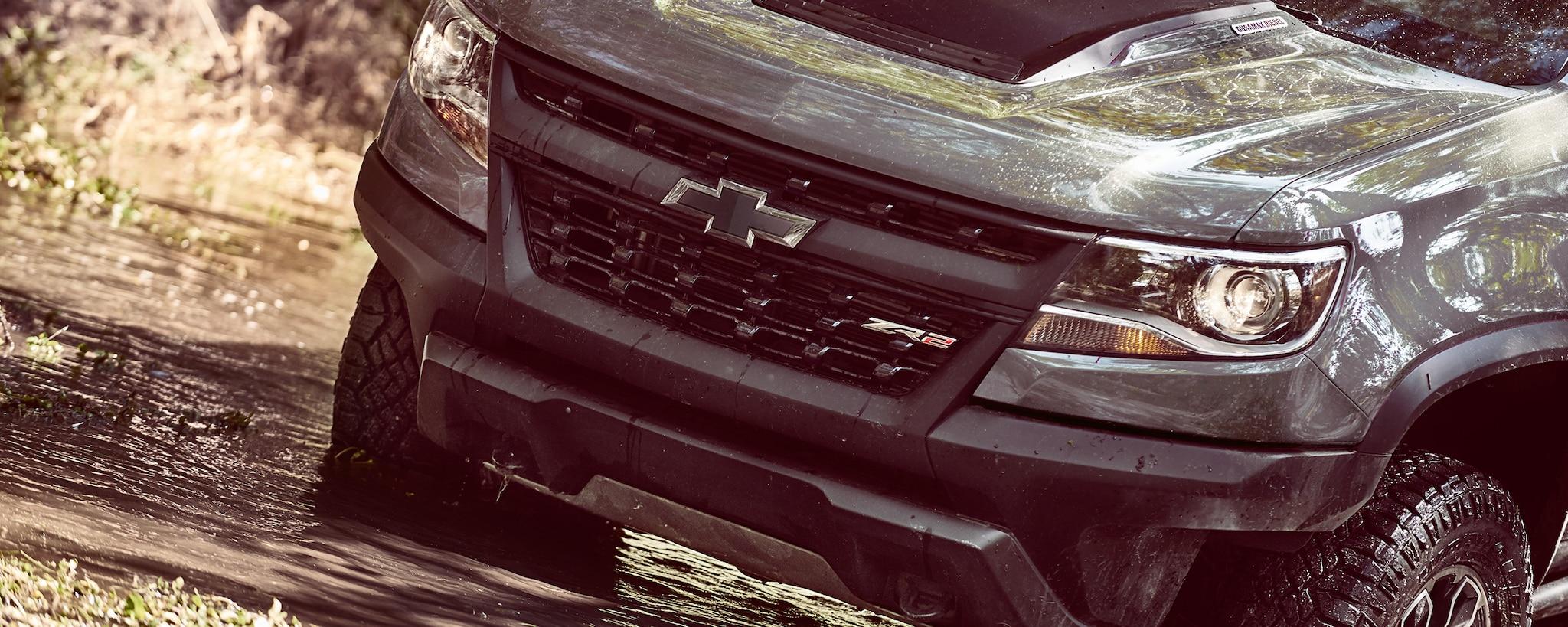 Desempeño de la camioneta todo terreno Colorado ZR2 2019: parrilla frontal