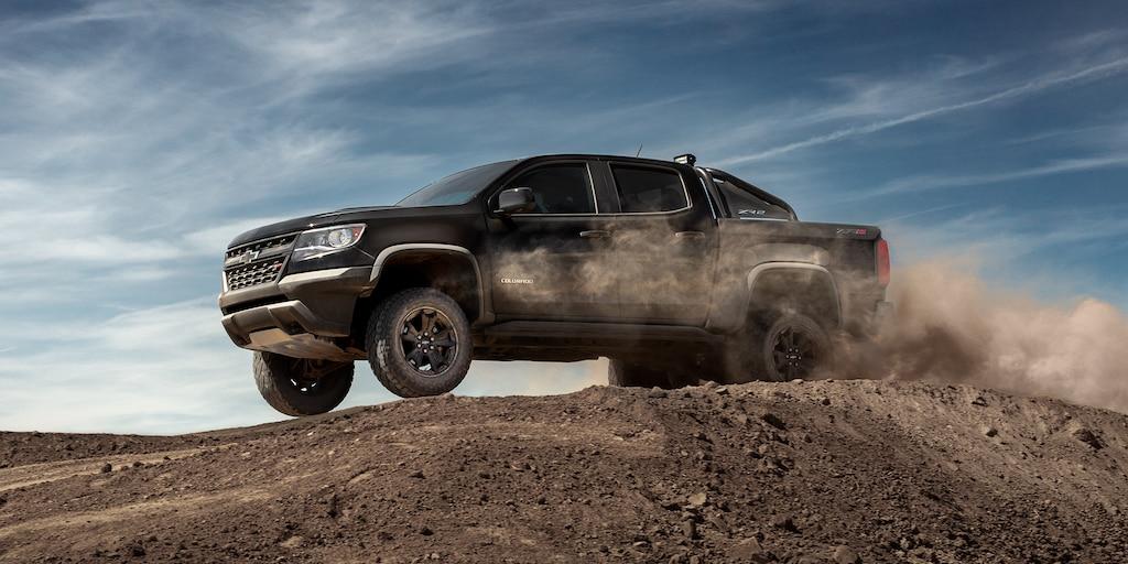 Foto del exterior de la camioneta mediana Colorado 2019: perfil lateral