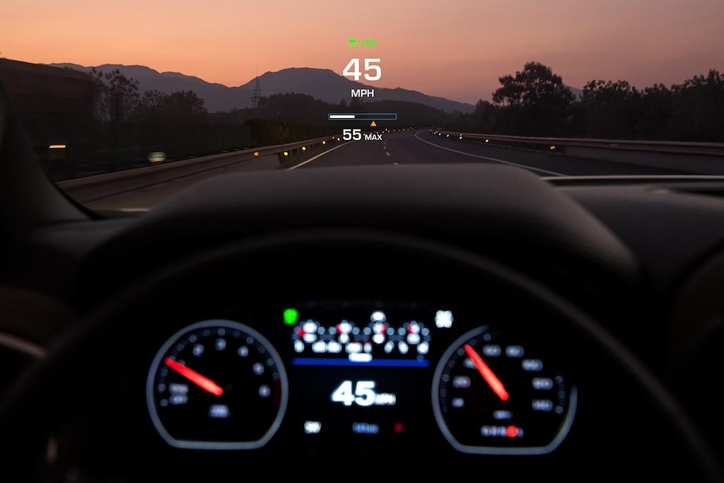 Características del interior de la camioneta Silverado 1500 2019: Head Up Display