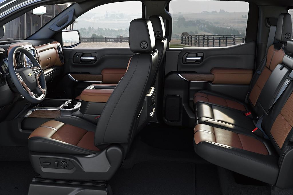 Características del interior de la camioneta Silverado 1500 2019: Asientos cómodos