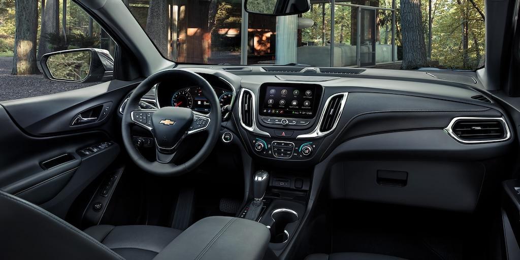 Vista del tablero delantero de la SUV compacta Chevrolet Equinox 2020