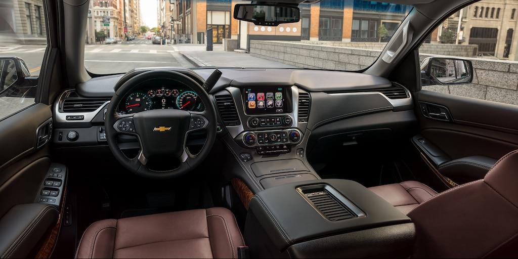 Vista interior del tablero de la SUV de tamaño completo Chevrolet Tahoe 2020