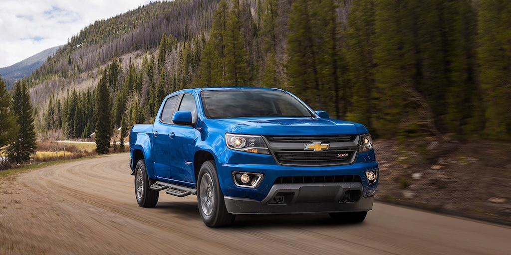 Vista exterior de parrilla delantera de la camioneta de tamaño mediano Chevrolet Colorado 2020