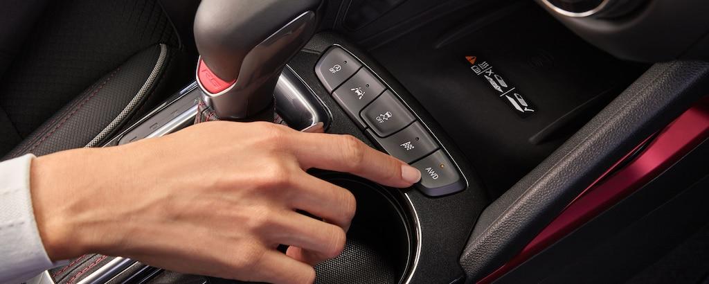 Primer plano del panel de control de la Chevrolet Trailblazer 2021