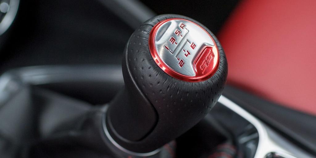 Galería del interior delChevy Camaro 2021: embrague