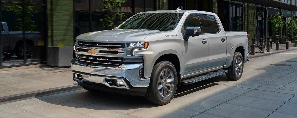 Asistencia para estacionar de la camioneta pickup Silverado 1500 2021