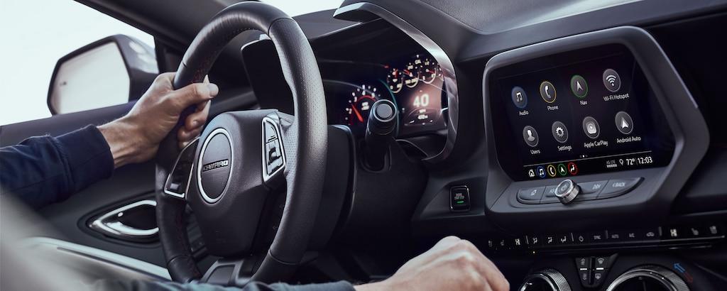 Tecnología pensada para el conductor delChevy Camaro2022