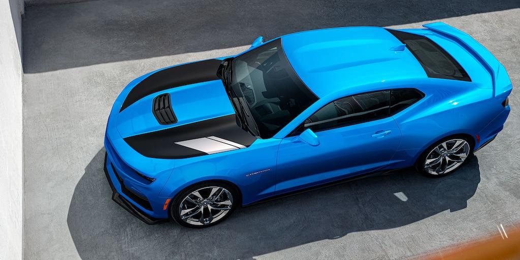 Diseño delChevy Camaro2022: Vista delantera en ángulo