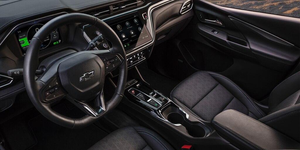 Asientos delanteros en el interior de Bolt EV